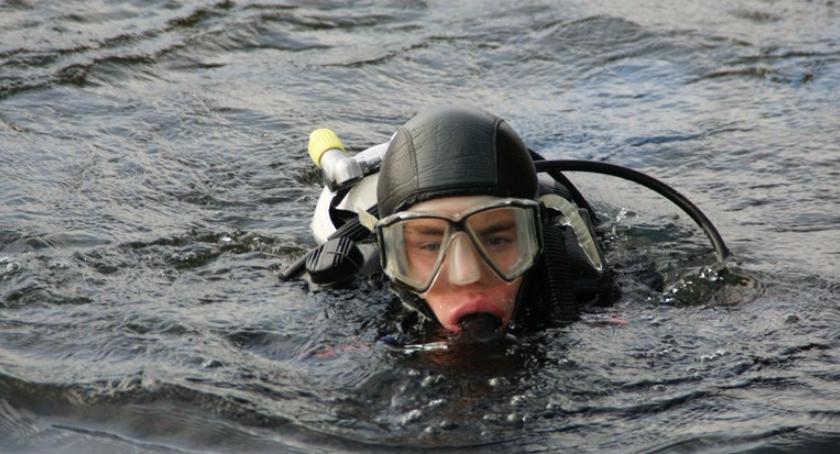 Poszukiwania na jeziorze Okonin